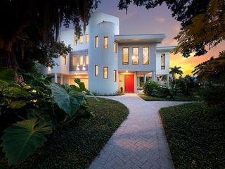 950 Alameda Way, Sarasota, FL 34234