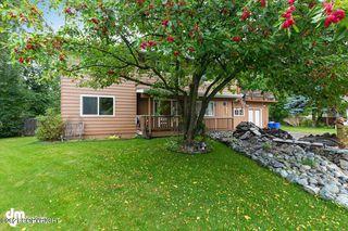 895 Cardigan Cir, Anchorage, AK 99503