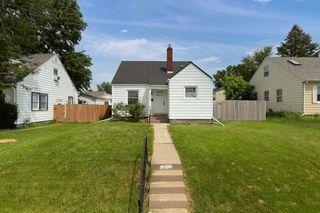 1514 E Pleasant St, Davenport, IA 52803