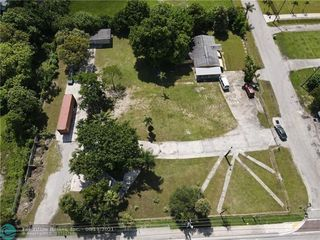 2160 NW 24th St, Fort Lauderdale, FL 33311
