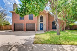 803 Yellowstone Dr, Mansfield, TX 76063