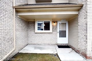 44510 Lakepointe Dr #52, Sterling Heights, MI 48313