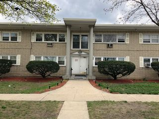 4010 Monroe St #202, Bellwood, IL 60104