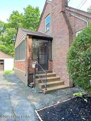 4729 Dover Rd, Louisville, KY 40216