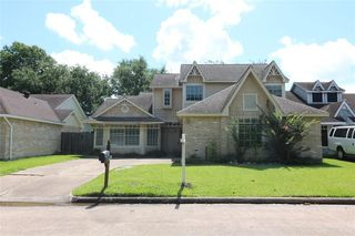 3223 Knoll West Dr, Houston, TX 77082