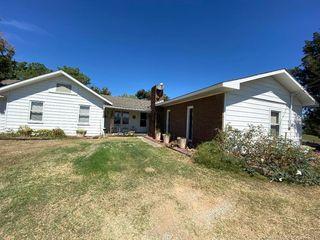 3246 N 377th Rd, Holdenville, OK 74848