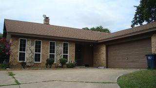 7355 Greenacres Dr, Fort Worth, TX 76112