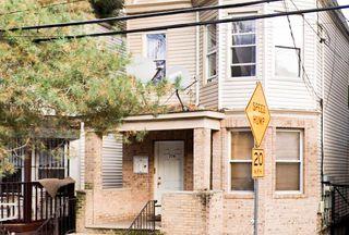 774 S 17th St #3, Newark, NJ 07103
