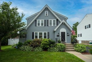 10 Monterey Rd, Worcester, MA 01606
