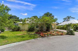 995 SW Flora Belle Ln, Stuart, FL 34994