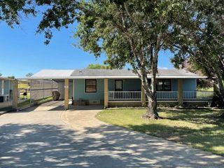 136 Sunshine Ln, Zapata, TX 78076