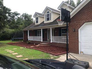 616 W Huggins St, Manning, SC 29102
