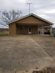 300 Barr West Dr, Cabool, MO 65689