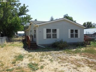 424 High St, Athena, OR 97813