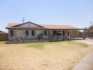 2917 W Corrine Dr, Phoenix, AZ 85029