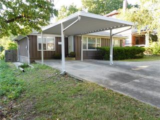1832 S Sterling Ave, Independence, MO 64052