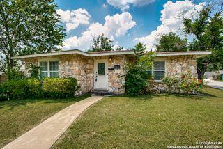 102 Leming Dr, San Antonio, TX 78201