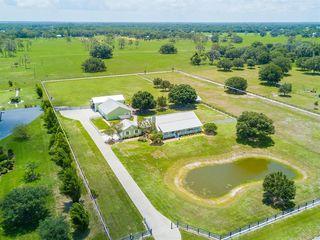 17773 Deer Prairie Dr, Sarasota, FL 34240