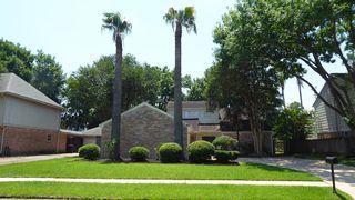 11407 Briar Rose Dr, Houston, TX 77077