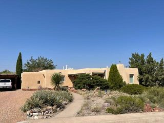 1601 Vassar Dr SE, Albuquerque, NM 87106