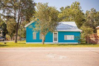 256 E Sylvan St, Carmine, TX 78932