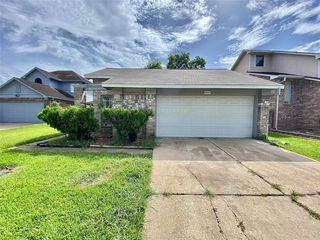 8615 Vinkins Rd, Houston, TX 77071