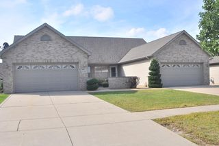 10400 Pike St, Crown Pt, IN 46307