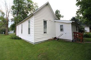 21 Lynn St, Weldon, IL 61882