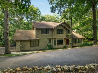 2225 Ridgley Woods Dr, Chesterfield, MO 63005