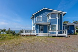 1015 NW Inlet Ave, Lincoln City, OR 97367