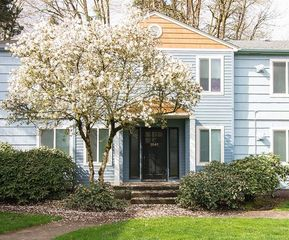 2035 NW 29th Ave #1, Portland, OR 97210