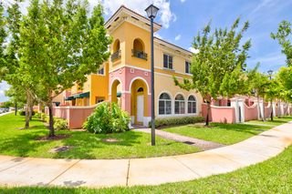 3029 NW 35th Ter, Lauderdale Lakes, FL 33311