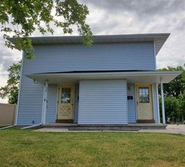 1129 S Maple Ave, Green Bay, WI 54304
