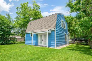 530 Jackson Ave, Bacliff, TX 77518