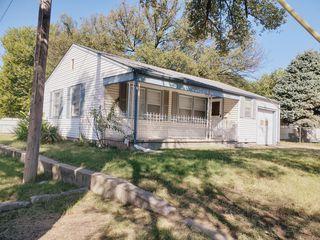 2561 S Hydraulic Ave, Wichita, KS 67216