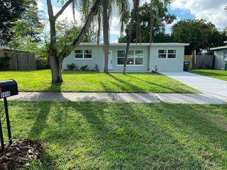 8896 92nd St N, Seminole, FL 33777