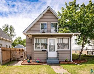 206 W House St, Duluth, MN 55808
