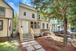 28 Oak St, East Orange, NJ 07018
