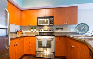 912 Dexter Ave N, Seattle, WA 98109