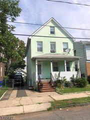 40 Grant Ave, Carteret, NJ 07008