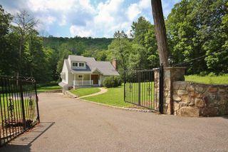 191 Bell Hollow Rd, Putnam Valley, NY 10579