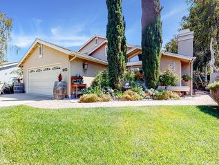 1055 Lily Ln, San Luis Obispo, CA 93401