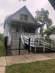 7335 S May St, Chicago, IL 60621