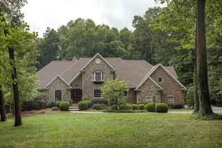 211 Markdale Ct, Bowling Green, KY 42103