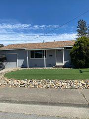 1278 Ramona Ln, Petaluma, CA 94954