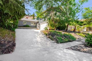 22247 De La Osa St, Woodland Hills, CA 91364