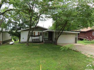 8611 Longview Dr, Ozawkie, KS 66070