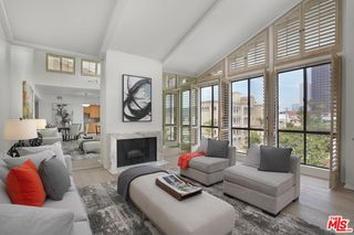 11805 Mayfield Ave #302, Los Angeles, CA 90049