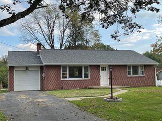 309 Cottage Pl, Lewistown, PA 17044