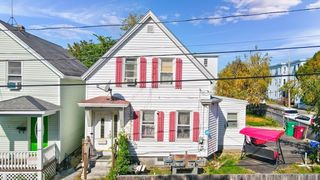 150 Ennell St, Lowell, MA 01850